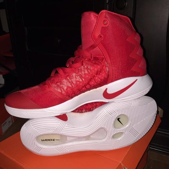 pretty nice 45f7f aa5f6 Nike Men s Hyperdunk Basketball Shoes Size 15